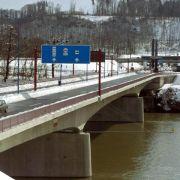 Schweiz entfernt Sprengstoff aus Brücken nach Deutschland (Foto)