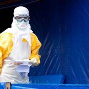 USA fliegen Ebola-infizierten Arzt aus Sierra Leone ein (Foto)