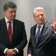 Gauck spricht mit Poroschenko (Foto)
