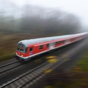 Bahnmitarbeiterin schläft im Zug ein - Kündigung unwirksam (Foto)