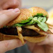 Burger King verkauft jetzt Whopper-Parfüm (Foto)