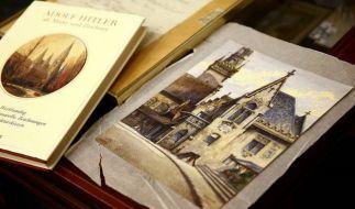 Ein Aquarell, gemalt von Adolf Hitler, soll am Wochenende in Nürnberg versteigert werden. Wert ungefähr 50.000 Euro. (Foto)