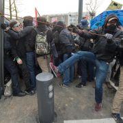 Verletzte bei Blockupy-Demo gegen EZB (Foto)