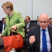 Kauder: Absage an Schwesig-Überlegungen zu Frauenquote (Foto)