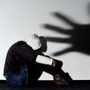 Vergewaltigung einer 13-Jährigen im Live-Stream (Foto)