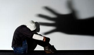 Brutale Vergewaltigung live im Internet. (Foto)