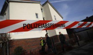Ein Absperrband ist um das Seniorenheim in Hamm gespannt wurden, um den Tatort abzusperren. (Foto)