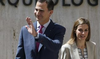 Kronprinz Felipe und Kronprinzessin Letizia bei einer Ausstellungseröffnung in Madrid. (Foto)