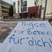 Bouffier will Tugce für Bundesverdienstkreuz vorschlagen (Foto)