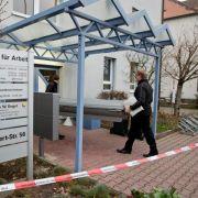Tödliche Attacke im Jobcenter:Gutachter stirbt (Foto)