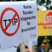 Eine Million Unterschriften gegen Freihandelsabkommen (Foto)