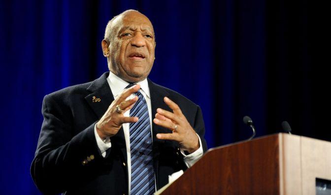 Die Polizei in Los Angeles hat eine offizielle Untersuchung gegen Bill Cosby wegen sexueller Nötigung eingeleitet.