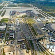 Hauptstadtflughafen soll im zweiten Halbjahr 2017 eröffnen (Foto)