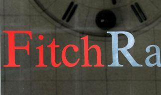 Fitch stuft Frankreichs Bonitätsnote herab (Foto)