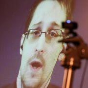 Snowden mit Ossietzky-Medaille ausgezeichnet (Foto)