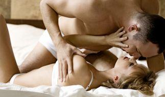 Wenn der Mann sich gut anstellt, muss die Frau beim Orgasmus nicht länger schummeln. (Foto)