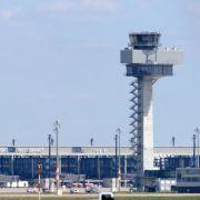 Nachfolger-Suche für Flughafenchef Mehdorn angelaufen (Foto)