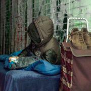 Obdachloser verschenkt drei Pfund und bekommt Tausende zurück (Foto)