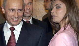 Wladimir Putin und seine vermeintliche Geliebte Alina Kabajewa. (Foto)