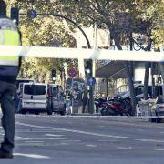 Mann rast mit Auto in Zentrale von Spaniens Konservativen (Foto)