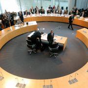 Linke wirft SPD im Edathy-Ausschuss Parteilichkeit vor (Foto)