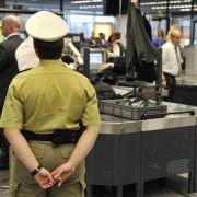 EU-Prüfer schmuggeln Waffen in den Frankfurter Flughafen (Foto)