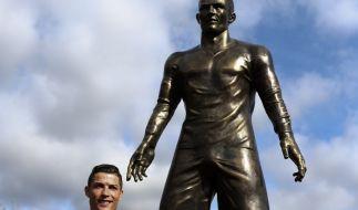 Madeira ehrt Ronaldo mit Verdienstorden und Bronzestatue. (Foto)