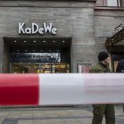 Nach Raubüberfall auf Berliner KaDeWe läuft Suche nach Tätern (Foto)