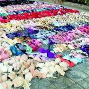 2.000 BHs und Slips bringen Haus zum Einsturz (Foto)