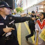 China gibt Hongkongs Regierungschef Rückendeckung (Foto)