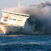Feuer-Drama an Bord - 467 Passagiere sitzen fest! (Foto)