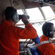Vermisstes Flugzeug: Erste Leichen geborgen (Foto)