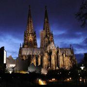Kölner Dom soll bei Pegida-Demo dunkel bleiben (Foto)