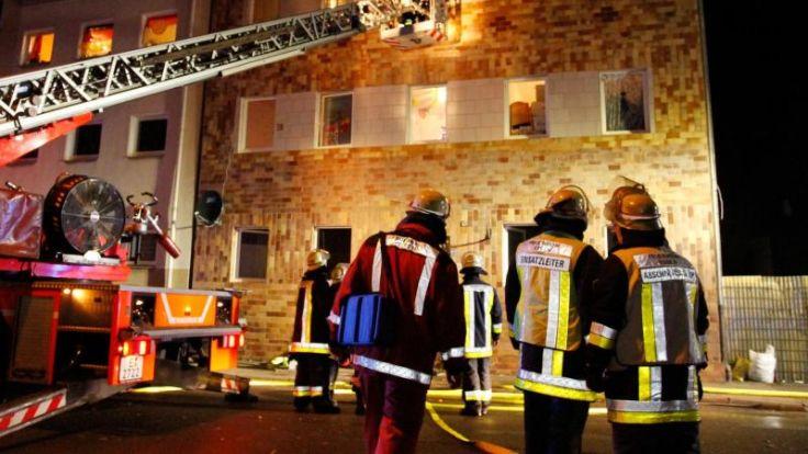 Feuer im Hausflur: 22 Menschen in Essen gerettet (Foto)