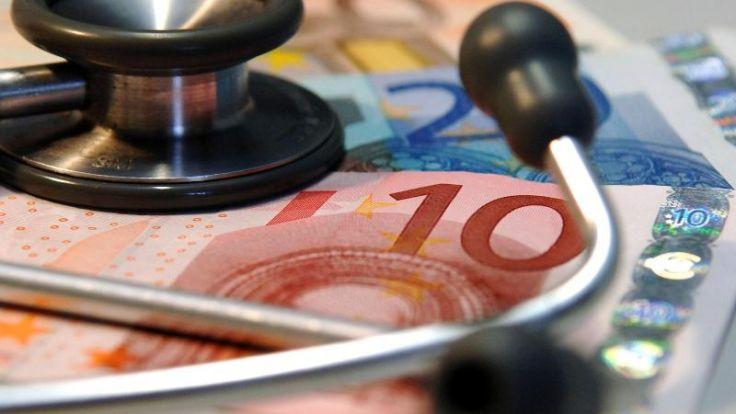 Gesundheitsminister warnt vor vorschnellem Kassenwechsel (Foto)