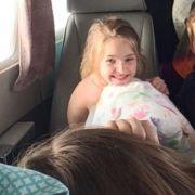 Mädchen (7) überlebt Flugzeugabsturz und sucht blutüberströmt Hilfe (Foto)