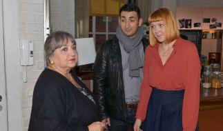 Sibil (Sema Poyraz, l.), Mesut (Mustafa Alin) und Nele (Ramona Dempsey). (Foto)