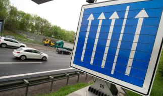 Dobrindt treibt Pläne für privat finanzierten Autobahnbau voran (Foto)