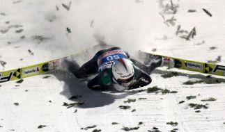 Simon Ammann stürzte schwer. (Foto)