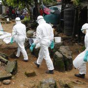 WHO: Zahl der Ebola-Toten in Westafrika steigt auf 8259 (Foto)