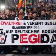 Gysi: Pegida-Zulauf auch wegen ostdeutscher Mentalität (Foto)