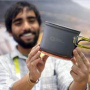 Ungewöhnliche CES-Gadgets: Holz-Touchscreen und Ladegerät im Kochtopf (Foto)