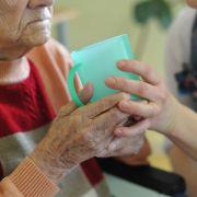 Jeder Dritte hat einen Pflegefall im persönlichen Umfeld (Foto)