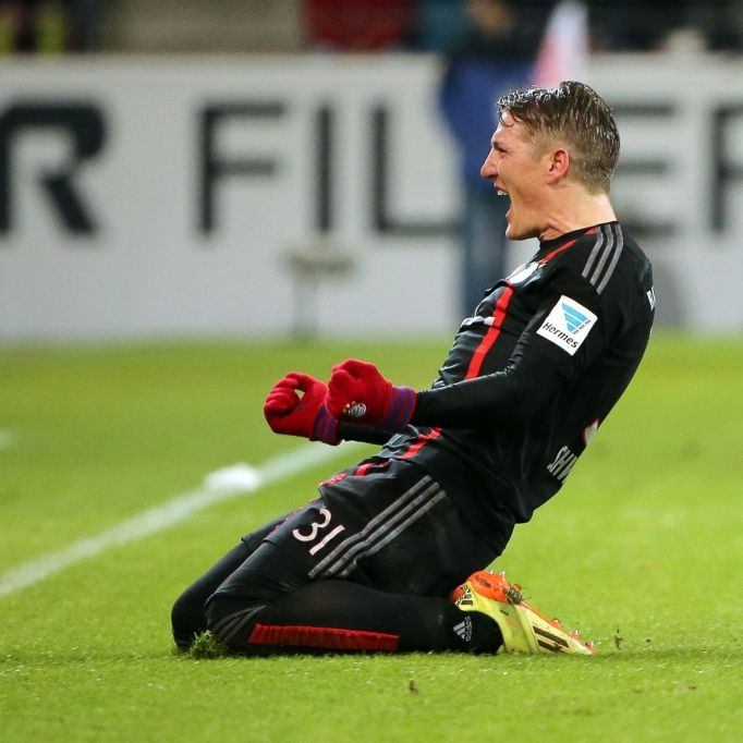 Bastian Schweinsteiger streicht Sarah Brandner (Foto)