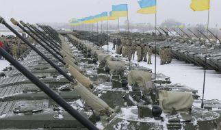 Ukraine bewaffnet Zehntausende Soldaten (Foto)