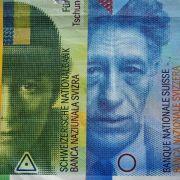 Schweizer Notenbank lässt Franken frei und schockt Märkte (Foto)