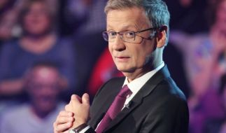 Günther Jauch ist gespannt, wie sich die Kandidaten am 23.01.2015 beim großen Zockerspecial von Wer wird Millionär? schlagen. (Foto)