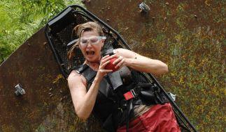 Die Camper haben unter sich entschieden, das Maren Gilzer (44) und Benjamin auch mal zu einer Dschungelprüfung antreten dürfen. (Foto)