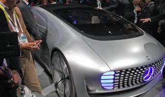 Dobrindt: Selbstfahrende Autos werden Erfolg haben (Foto)
