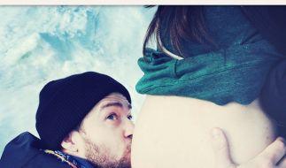 Justin Timberlake ist ganz verliebt in den Babybauch seiner Frau Jessica Biel. (Foto)